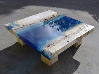 Идеи: стол из травертина и искуственной смолы